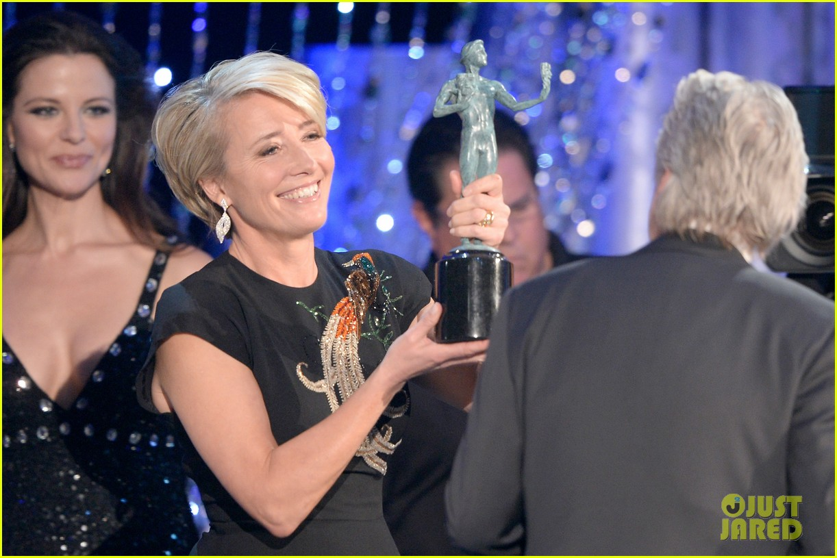 emma thompson sag awards 2014 red carpet 04