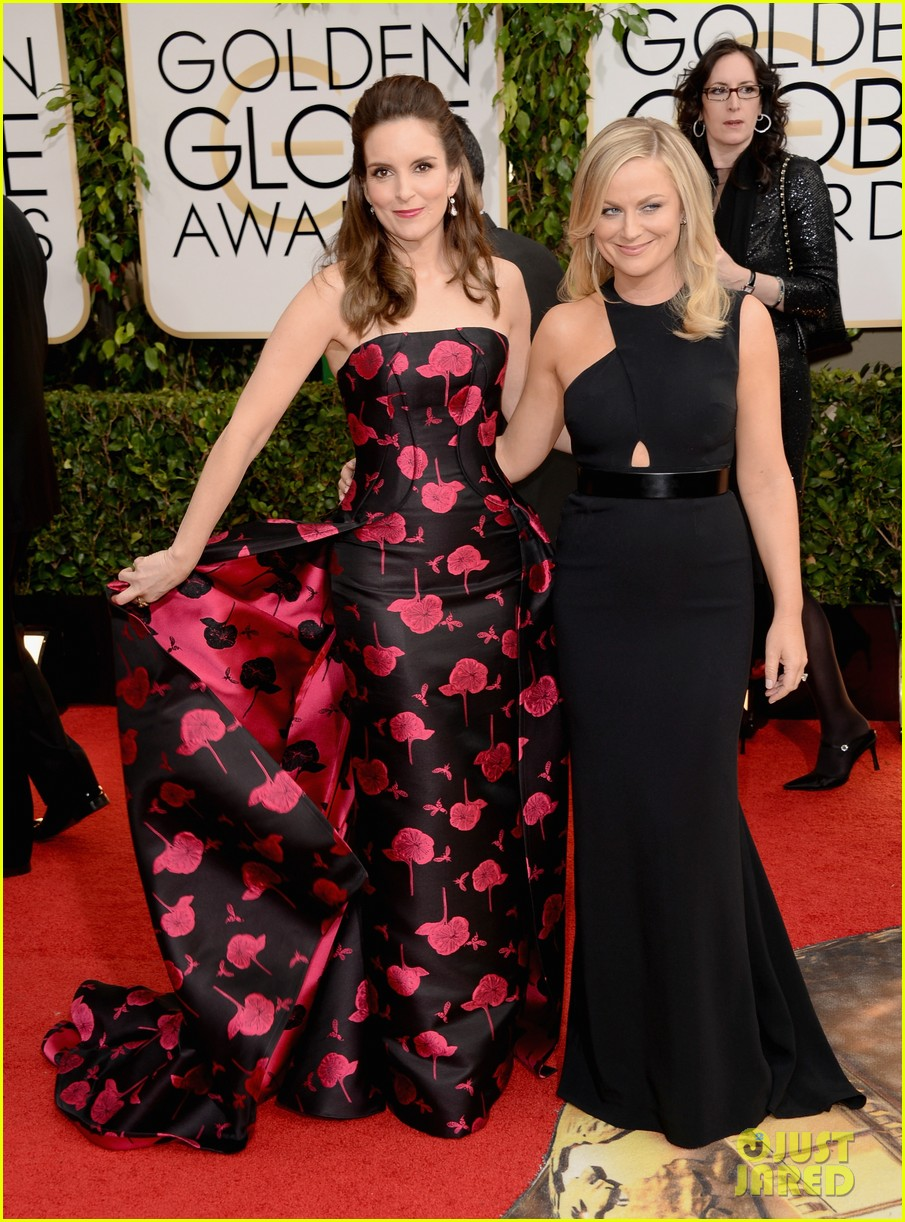amy poehler tina fey golden globes 2014 red carpet 013029163