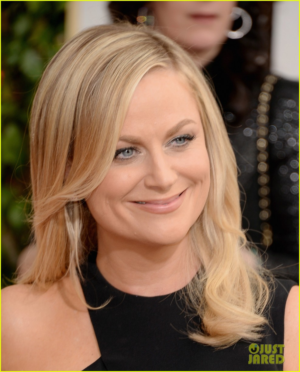 amy poehler tina fey golden globes 2014 red carpet 06