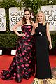 amy poehler tina fey golden globes 2014 red carpet 05
