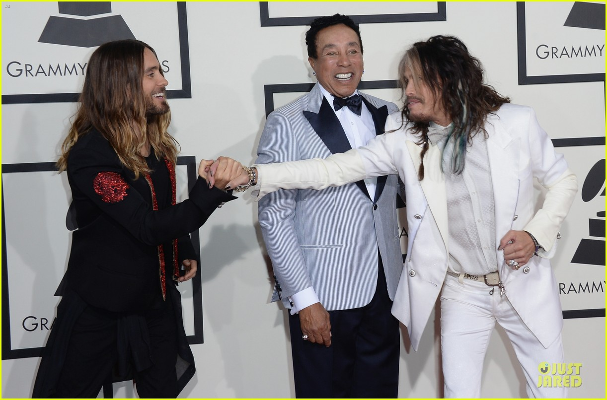steven tyler smokey robinson sings to smokey robinson at grammys 2014 06