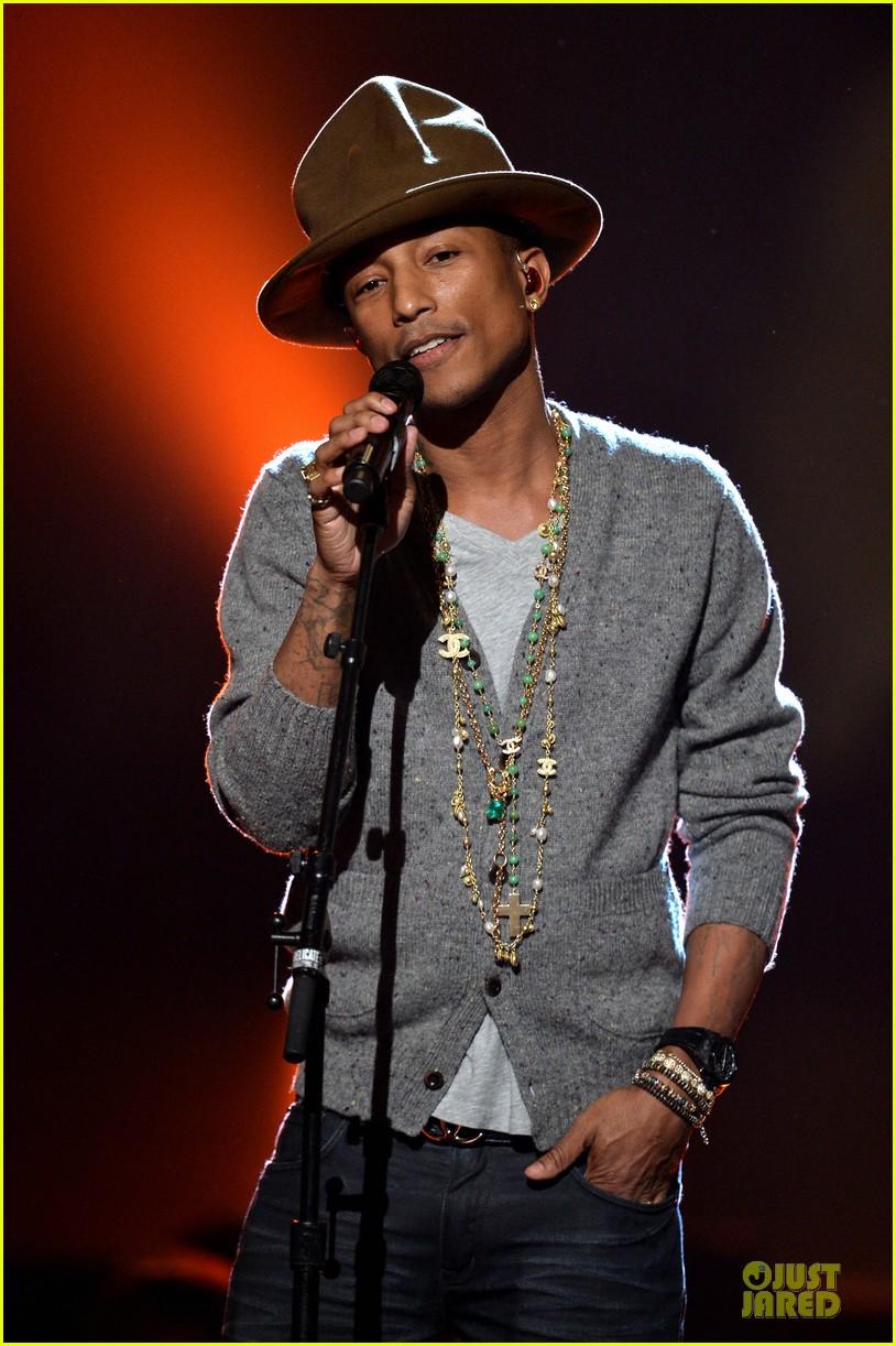keith urban pharrell williams beatles tribute singers 12