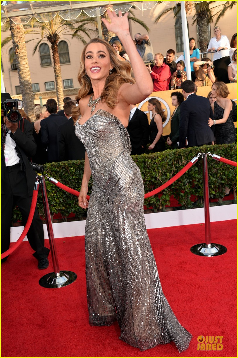 sofia vergara julie bowen sag awards 2014 red carpet 033034698