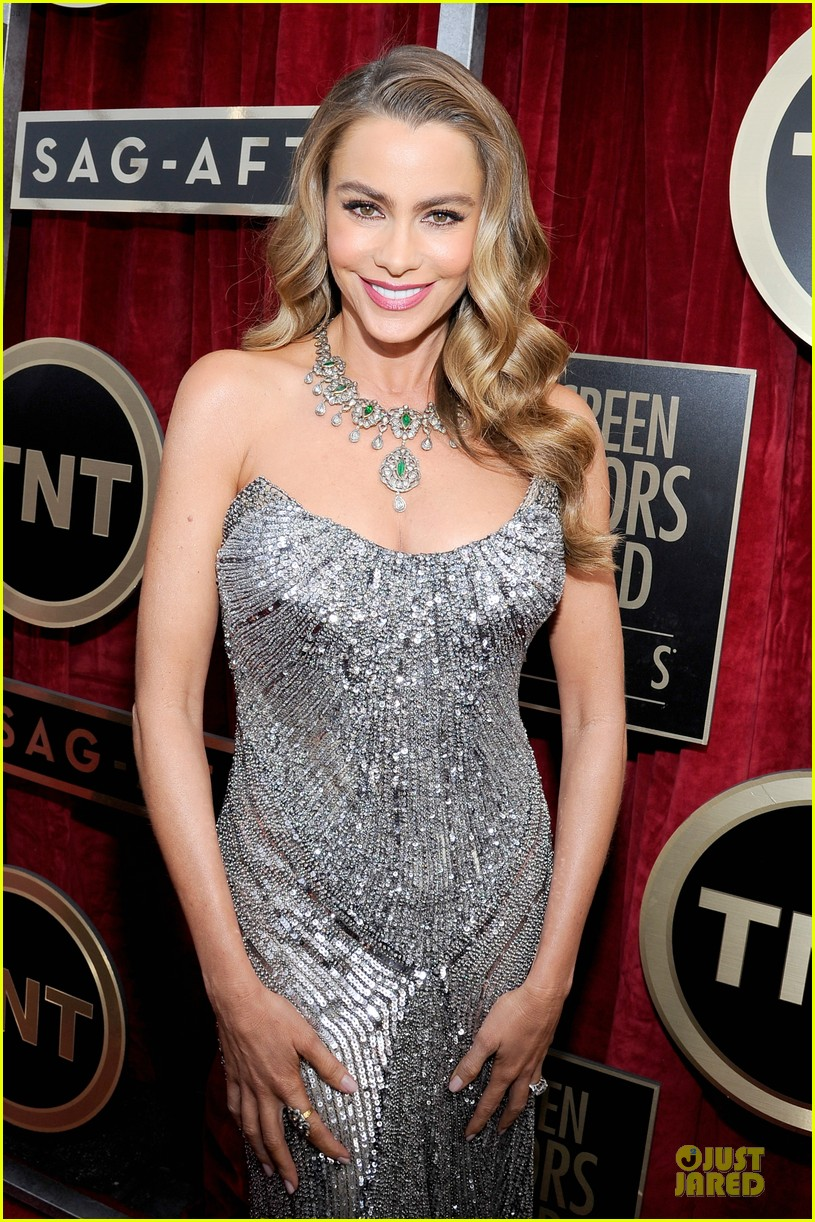 sofia vergara julie bowen sag awards 2014 red carpet 093034704