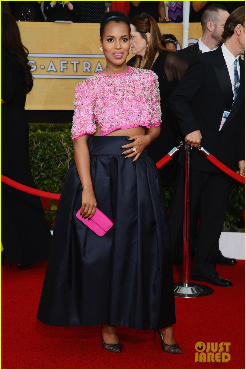 kerry washington bares baby bump at sag awards 2014 053034716