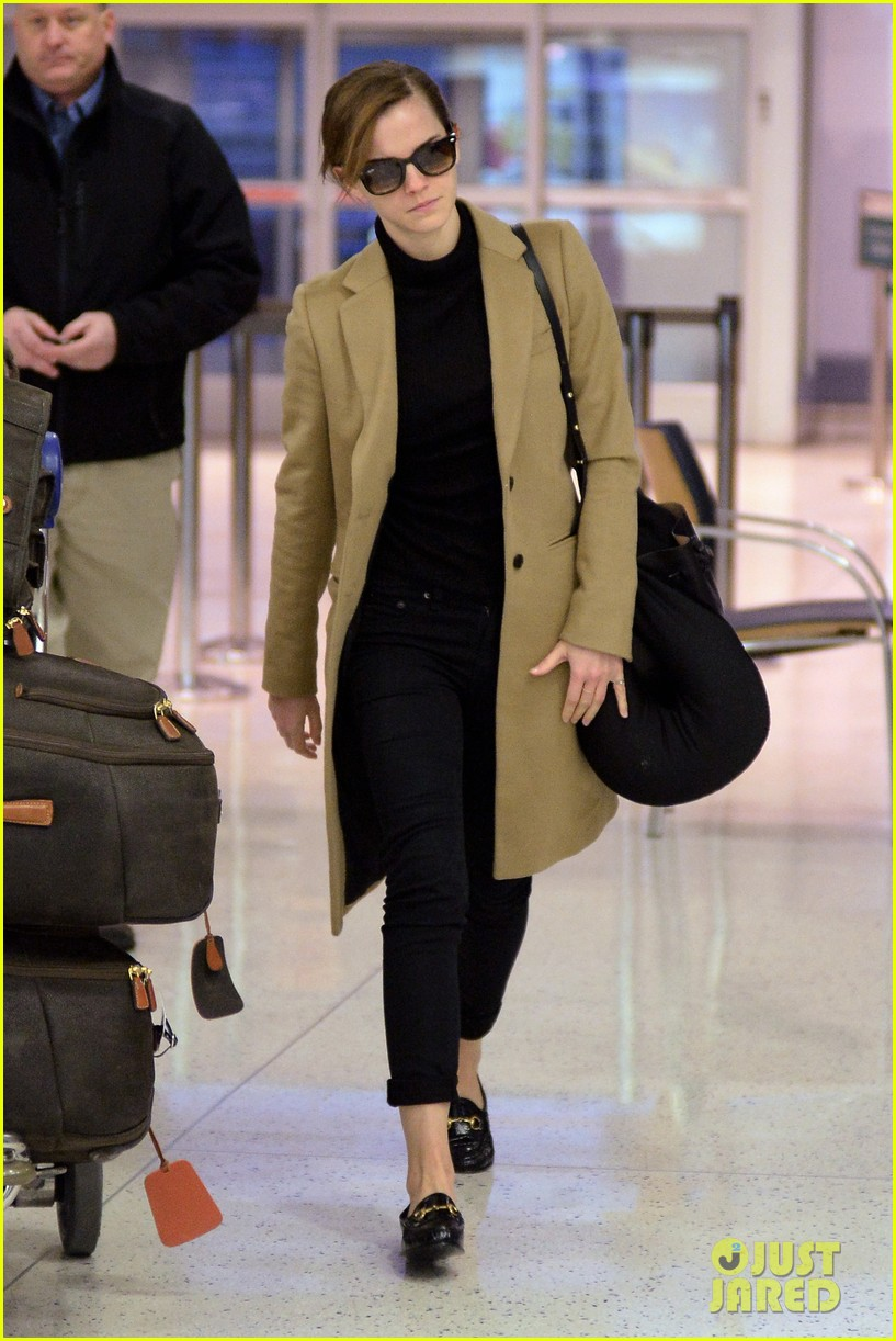 emma watson leaves new york city after quick trip 133037685