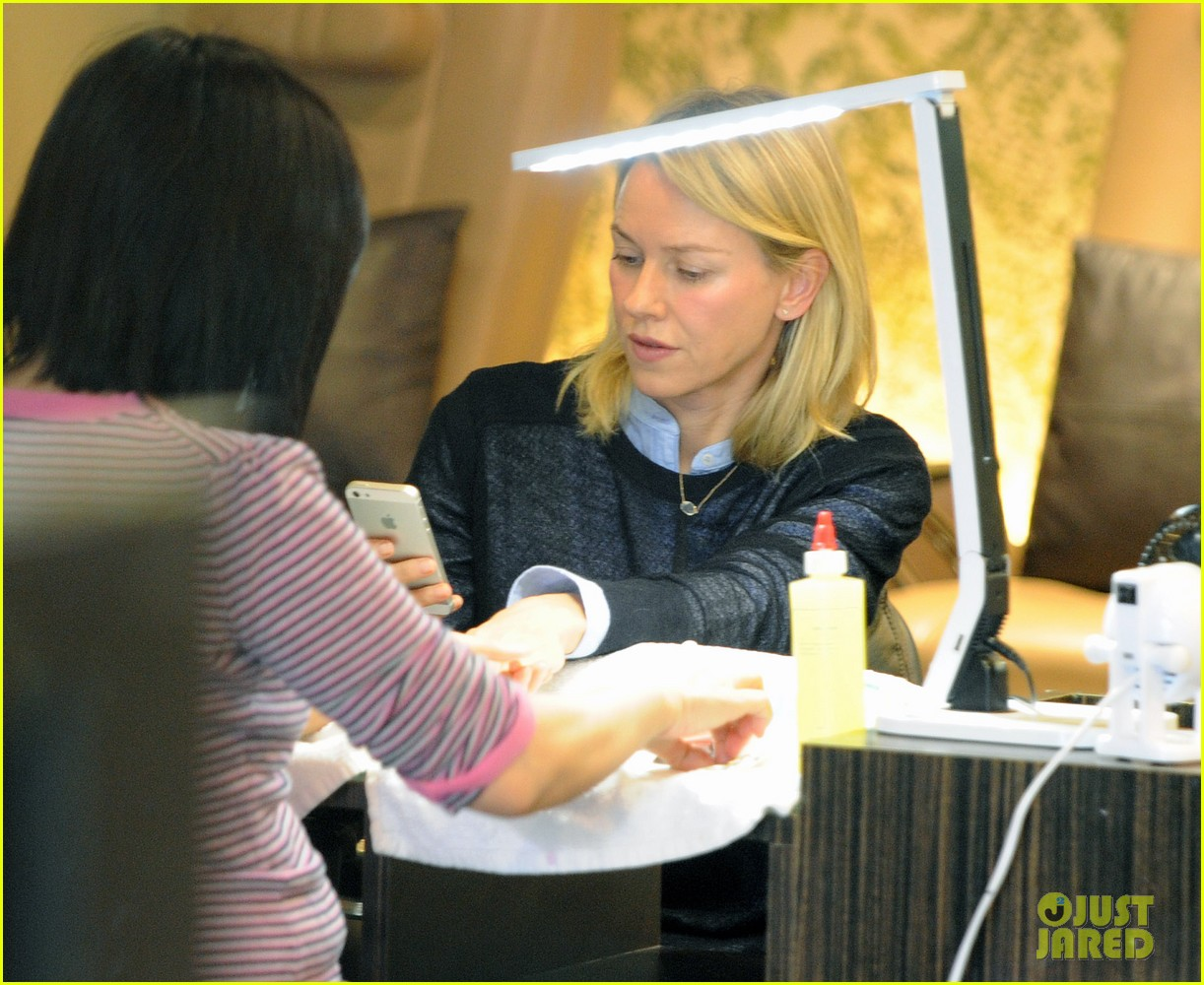 naomi watts keeps busy in brentwood 233039335