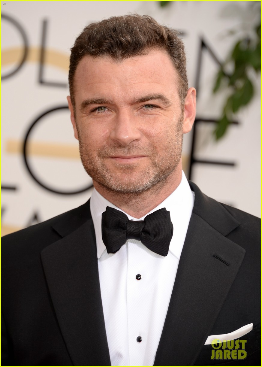 naomi watts liev schreiber golden globes 2014 red carpet 02
