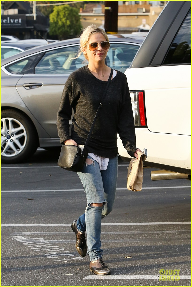naomi watts liev schreiber grabs lunch with sarah michlle gellar 233043142