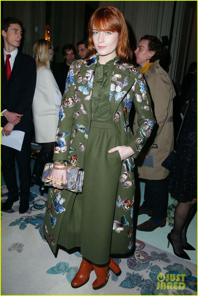 florence welch valentino fashion show in paris 01