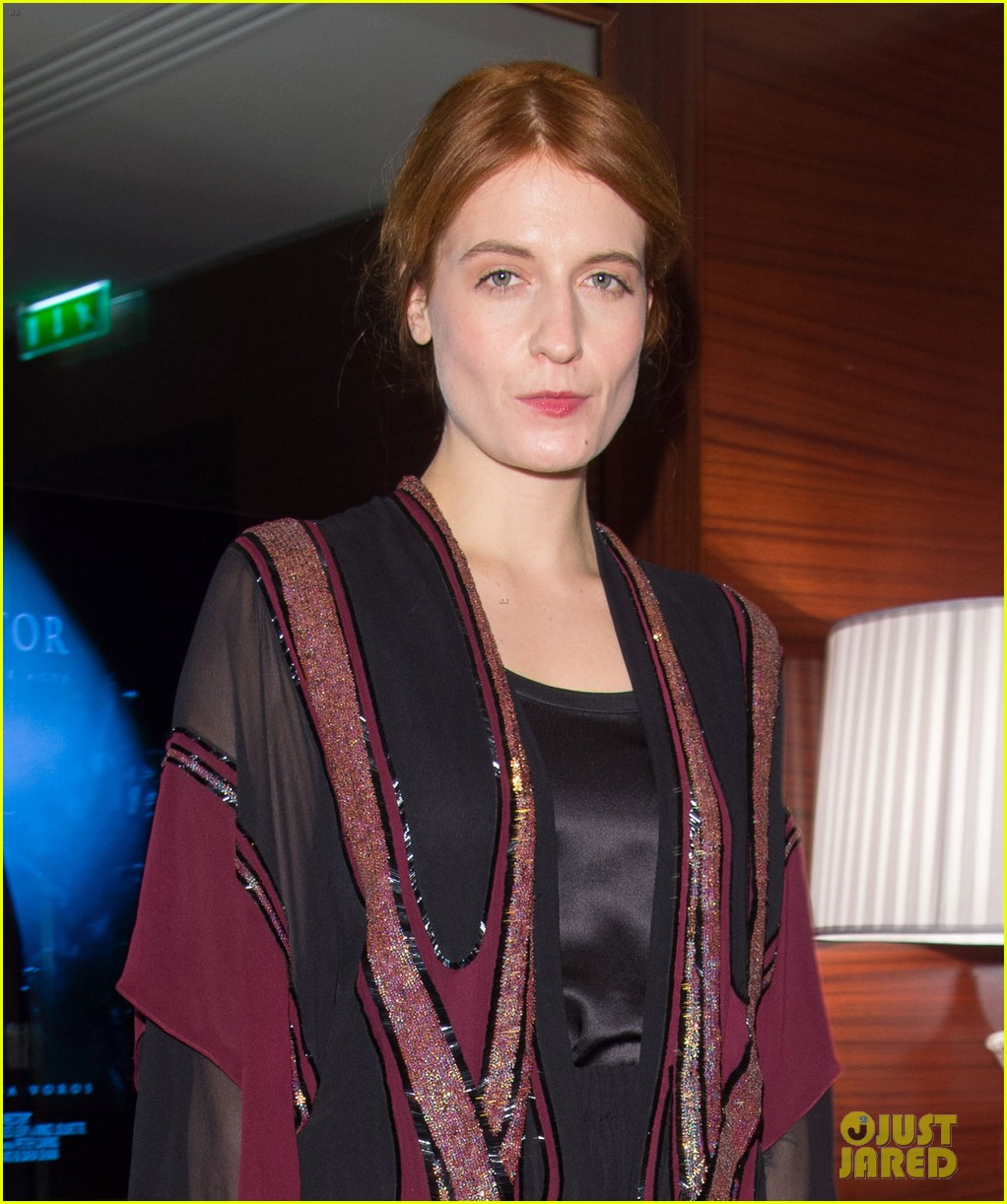 florence welch valentino fashion show in paris 023038930