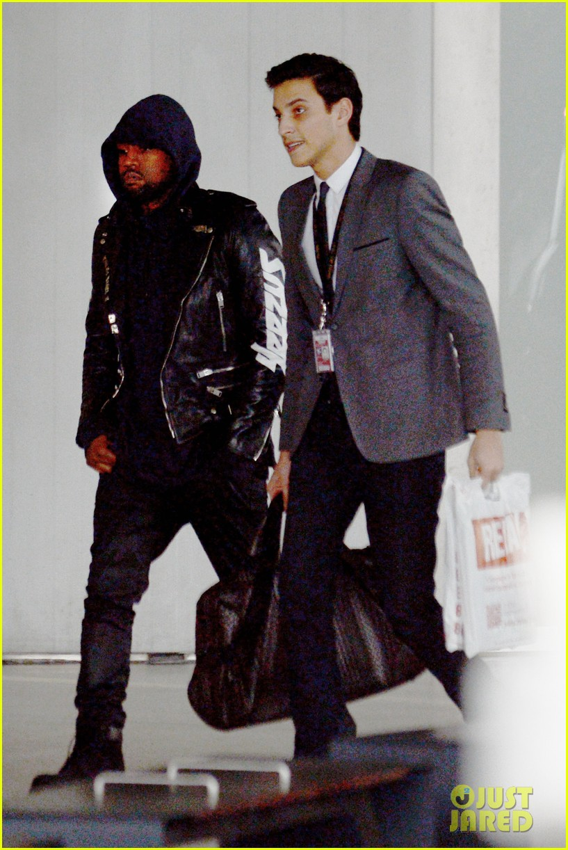 kanye west flies to paris after alleged attack on man screaming racial slurs 133032726