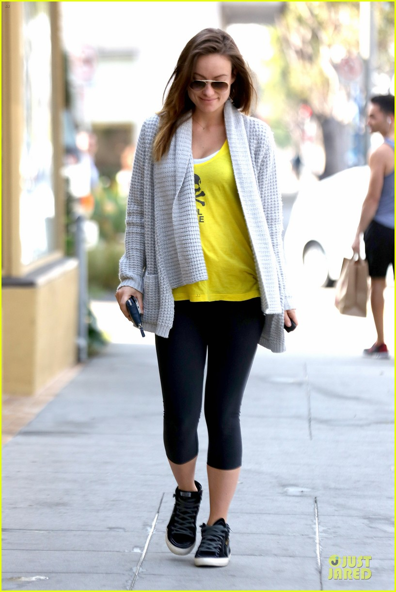 olivia wilde im very happy to see rain in la 153043382