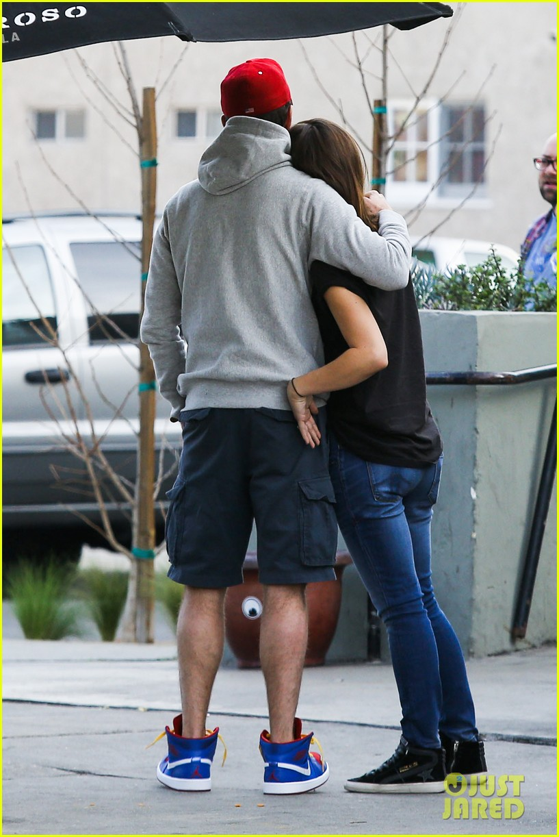 olivia wilde basketball game date with jason sudeikis 213035676