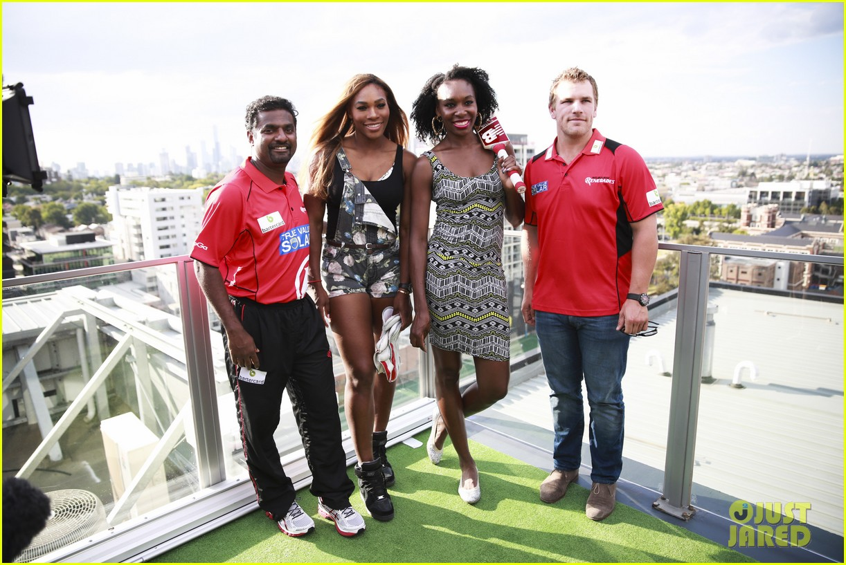 venus serena williams play cricket with the pros 16