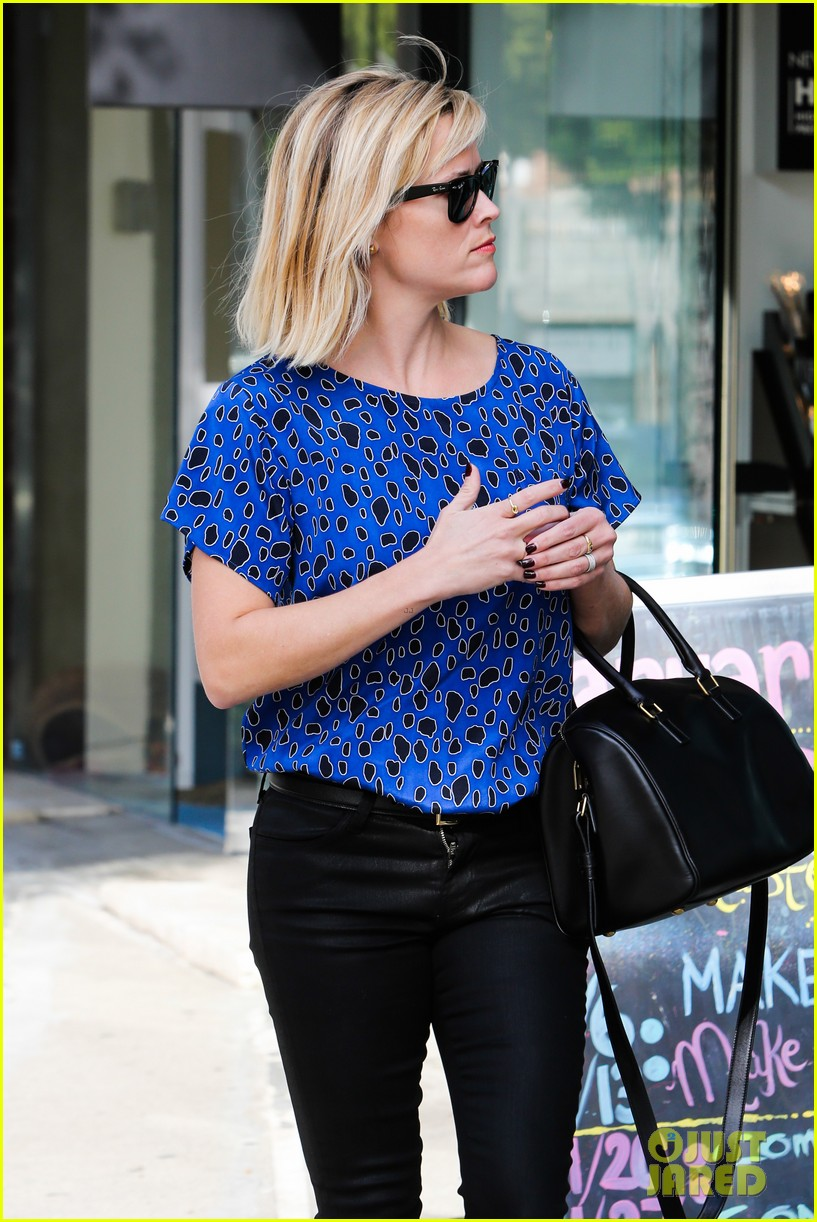 reese witherspoon keeps busy with shopping meetings 283038854