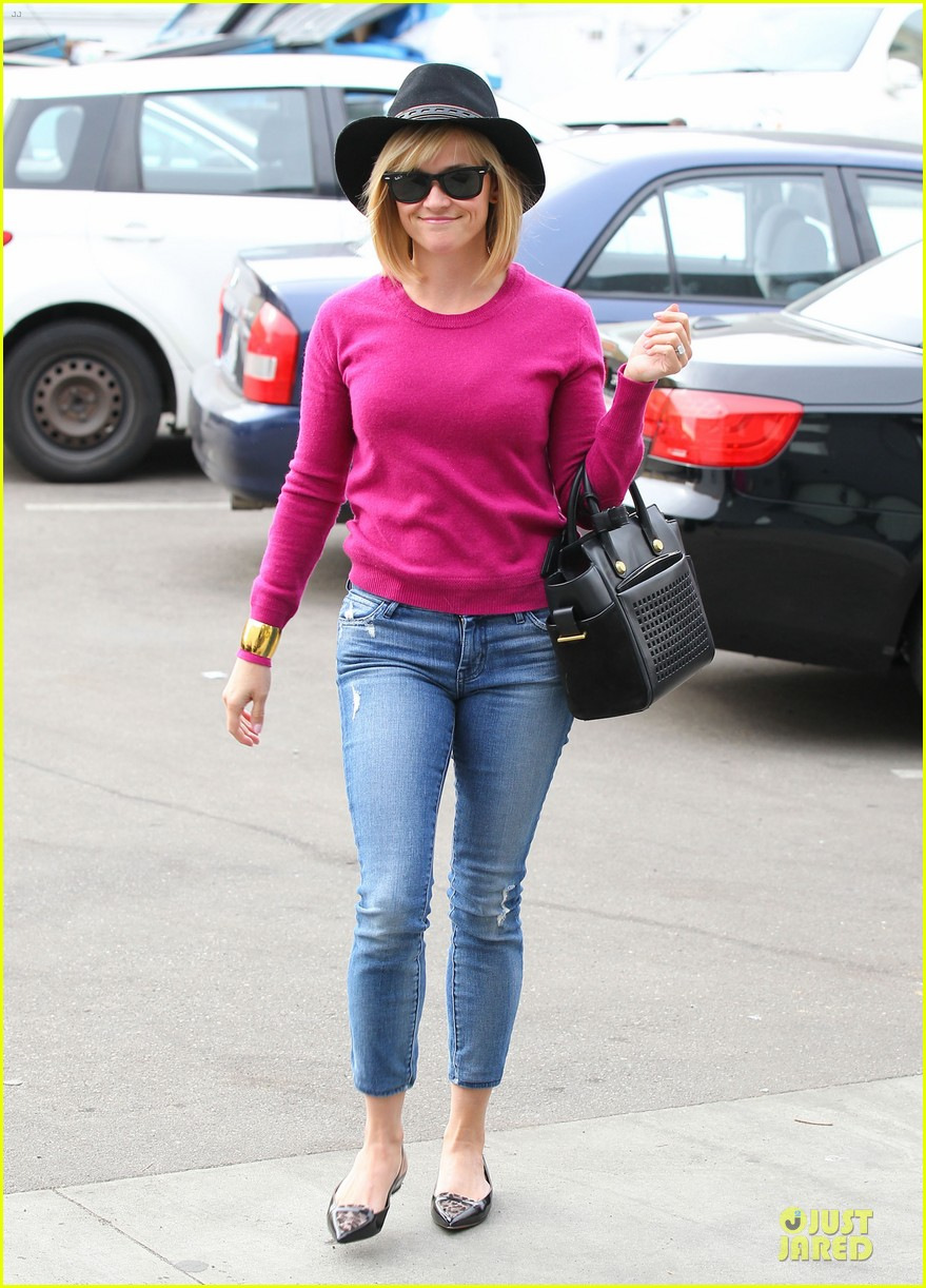 reese witherspoon lax arrival after justin bartha wedding 053024773