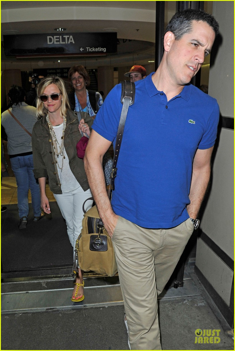 reese witherspoon lax arrival after justin bartha wedding 113024779