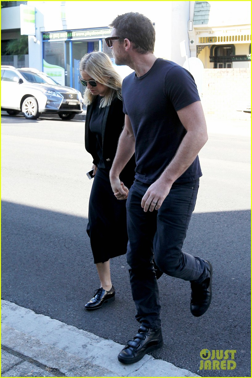 sam worthington lara bingle lunch before her court appearance 143042773