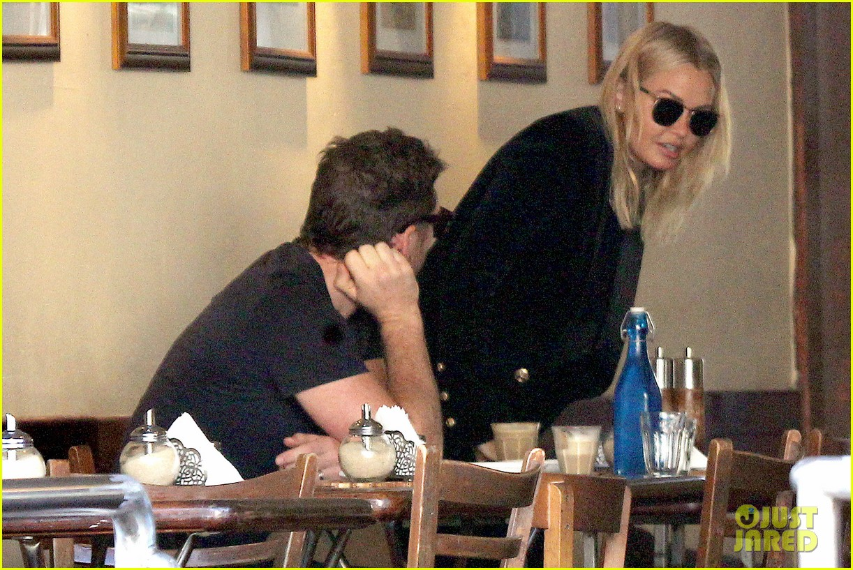 sam worthington lara bingle lunch before her court appearance 19