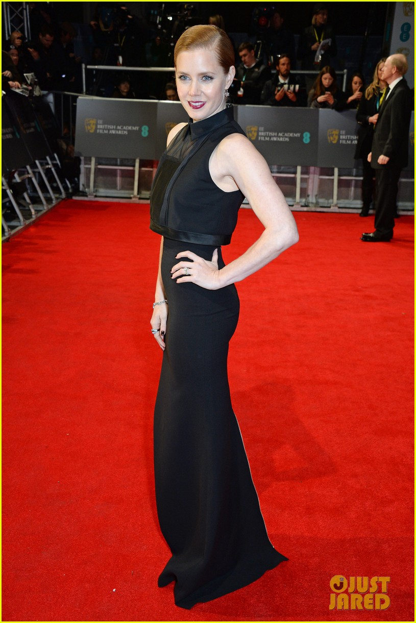 amy adams baftas 2014 red carpet 02