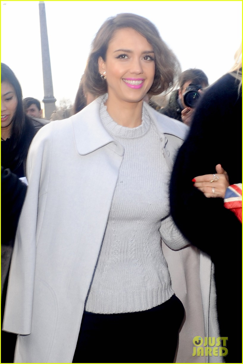 jessica alba attends nina ricci show with bff kelly sawyer 02