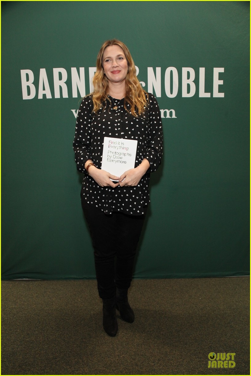 drew barrymore donates jeans to support teens for jeans 03