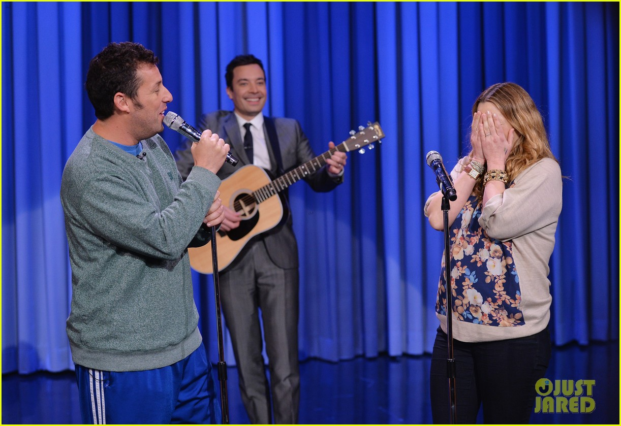 adam sandler sings to pregnant drew barrymore on fallon 043061299
