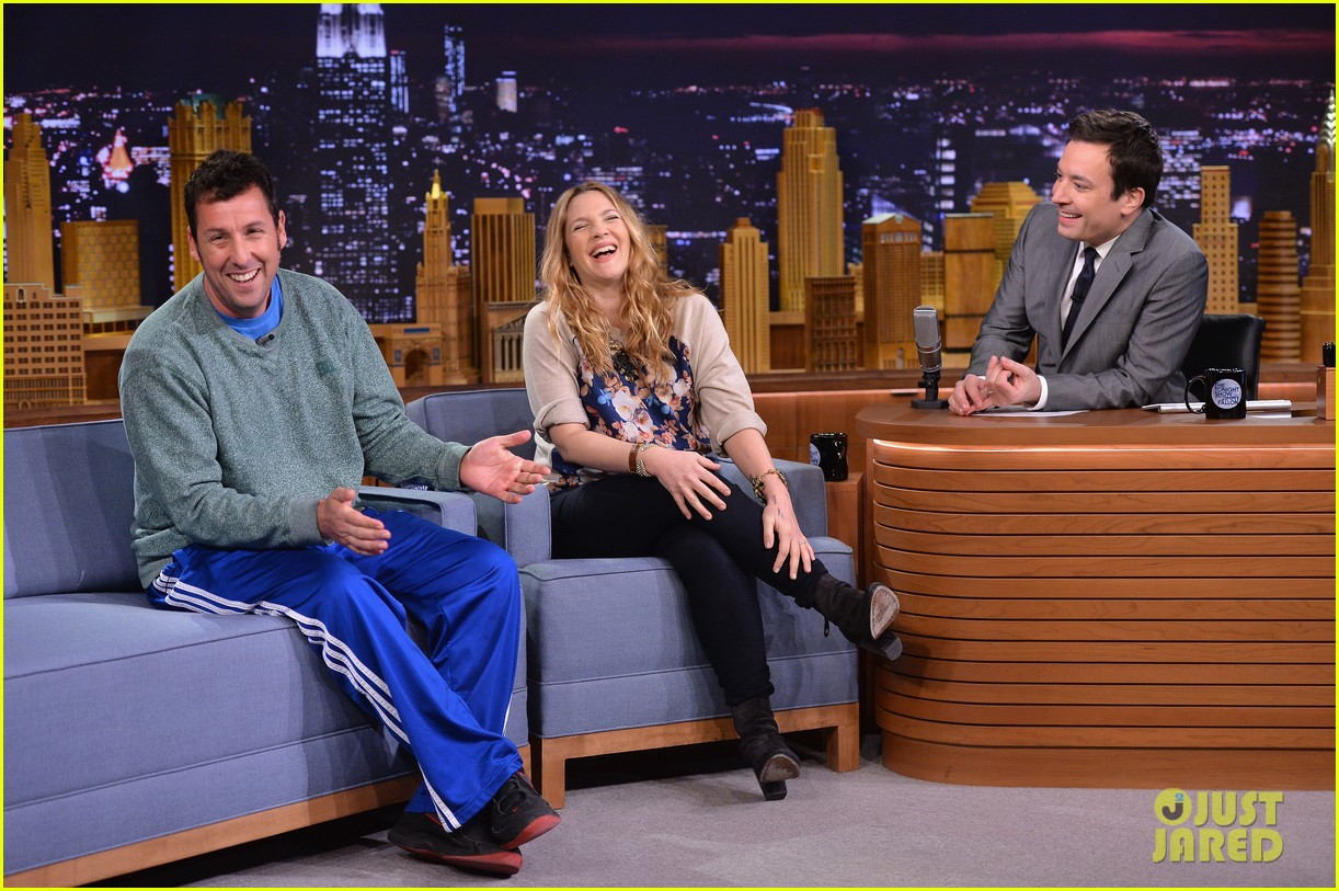 adam sandler sings to pregnant drew barrymore on fallon 063061301