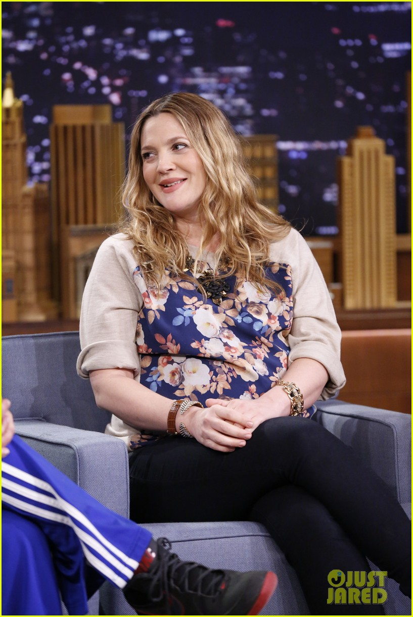 adam sandler sings to pregnant drew barrymore on fallon 14