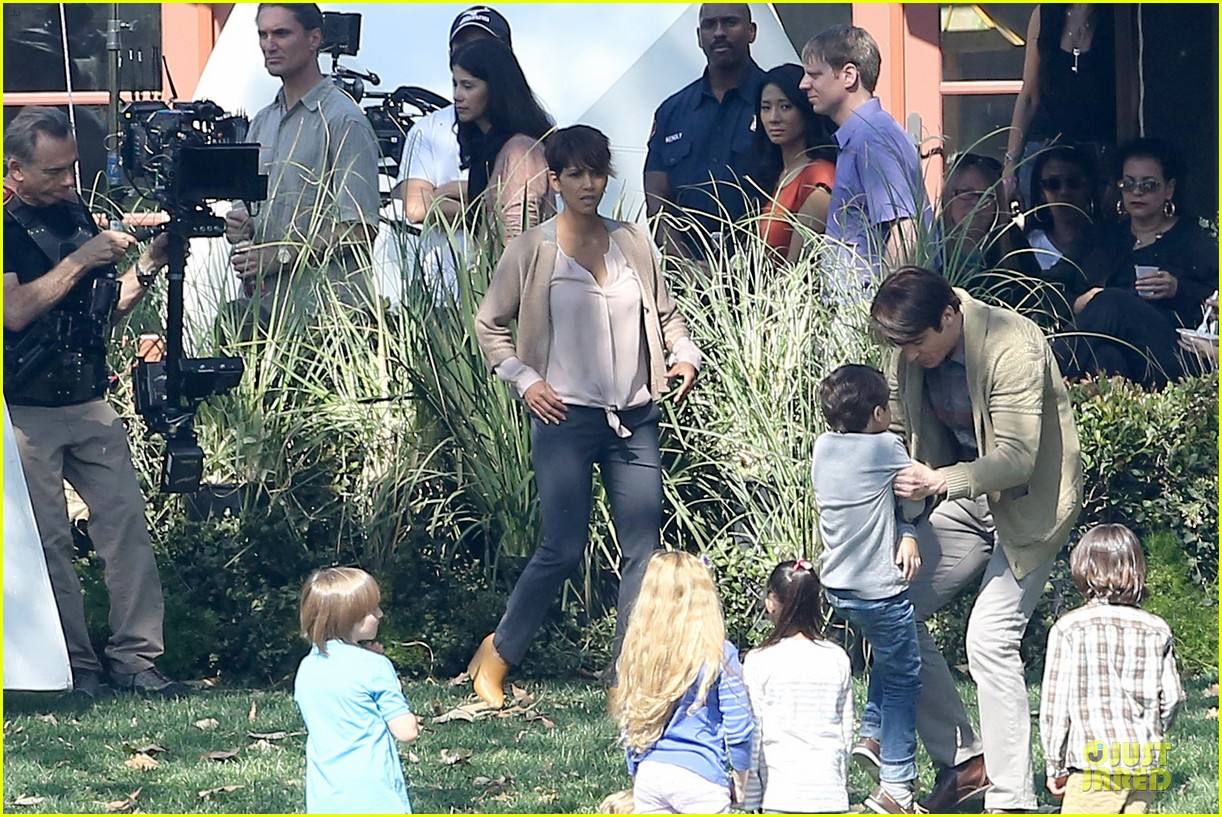 halle berry spends valentines day filming extant with goran visnjic 253053746