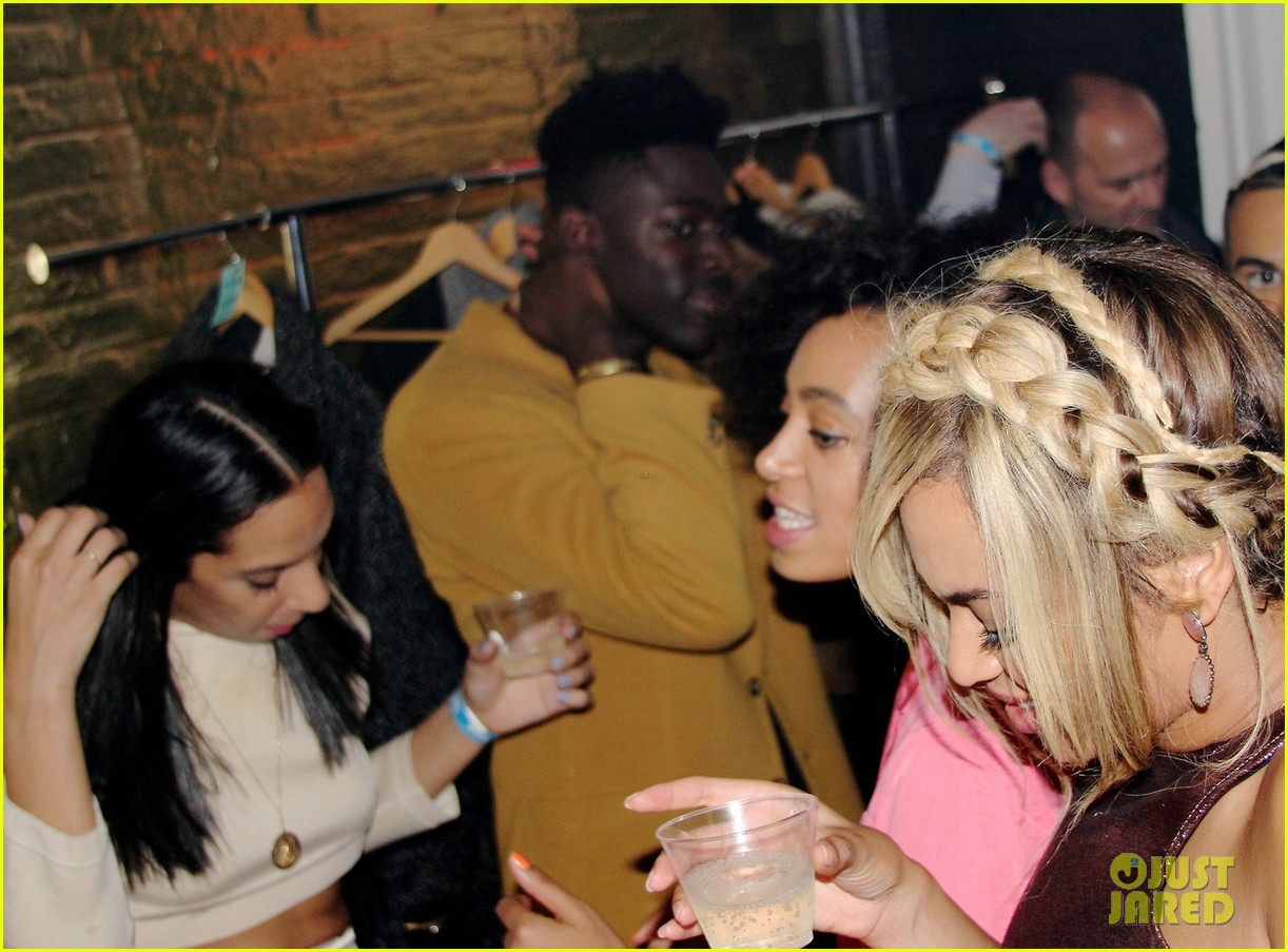 beyonce works the dance floor at fashion week party 163053337