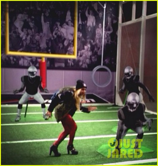 beyonce channels her inner football player for super bowl 2014 01
