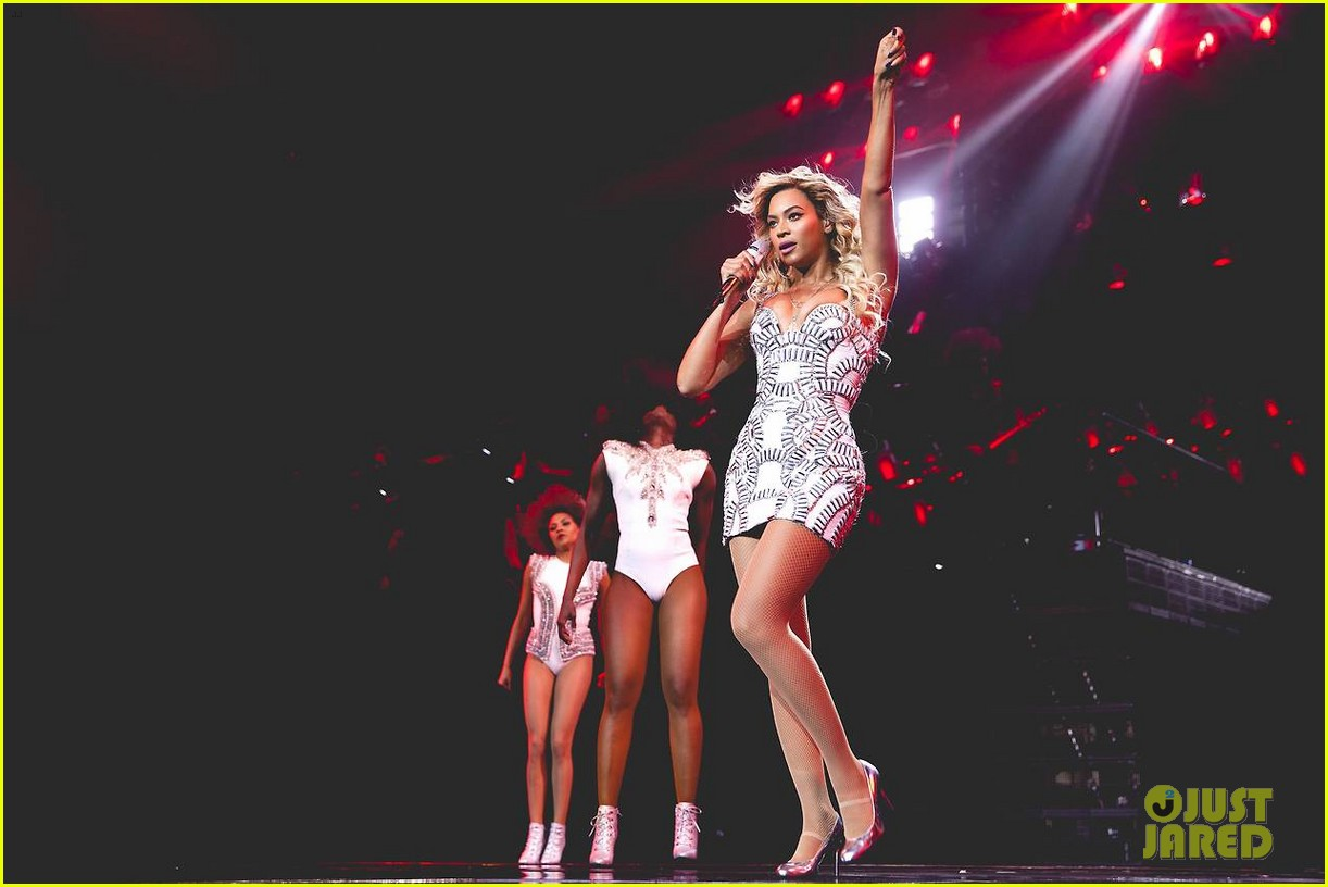 beyonce performed yonce live our week has officially been made watch now 023059707