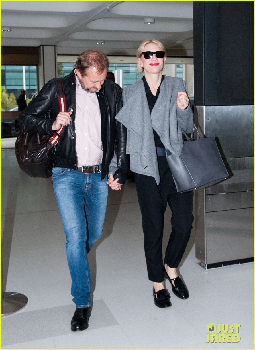 cate blanchett flies out of sydney en route to the oscars 2014 013062276