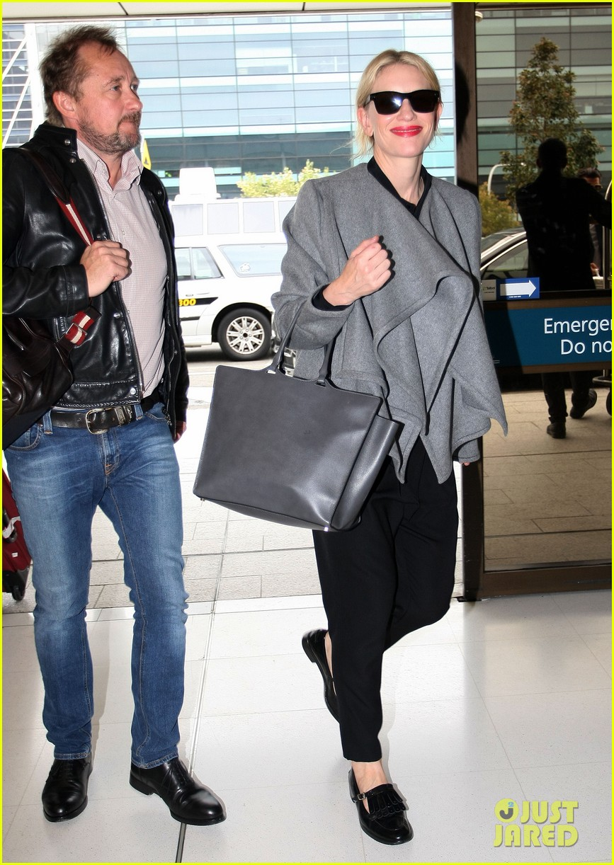 cate blanchett flies out of sydney en route to the oscars 2014 163062291