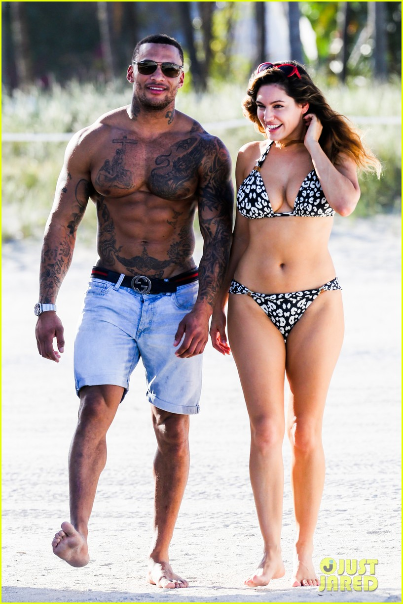 kelly brook bikini babe with macho boyfriend david mcintosh 01