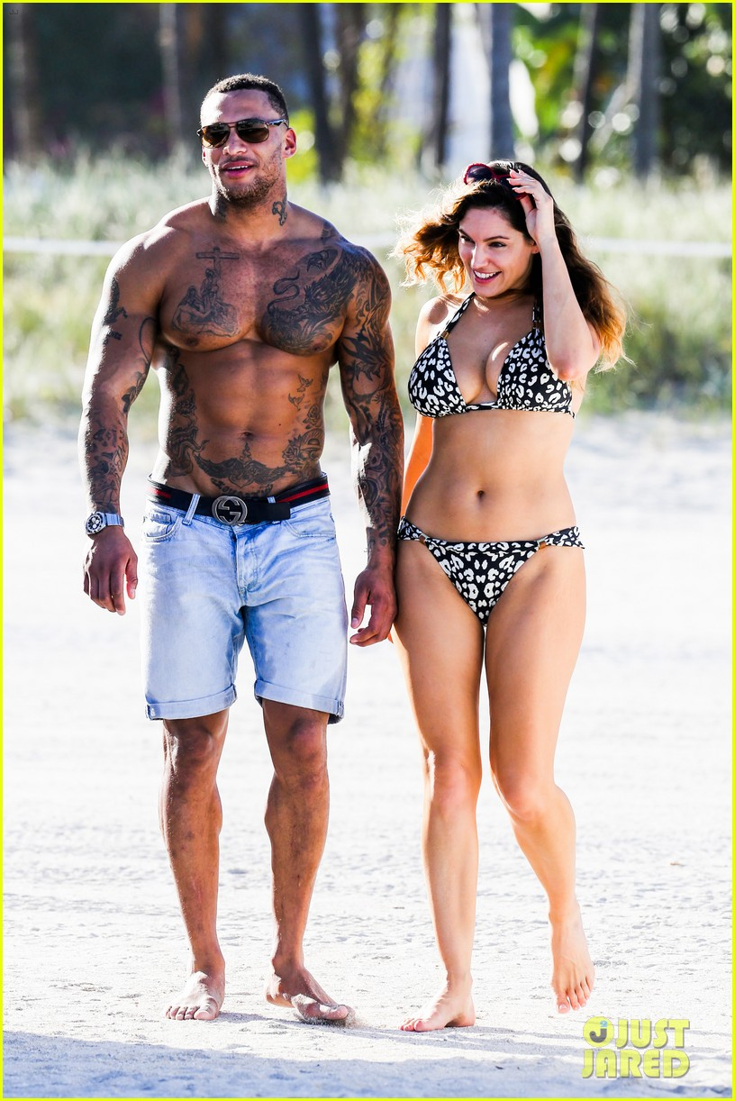 kelly brook bikini babe with macho boyfriend david mcintosh 083046857