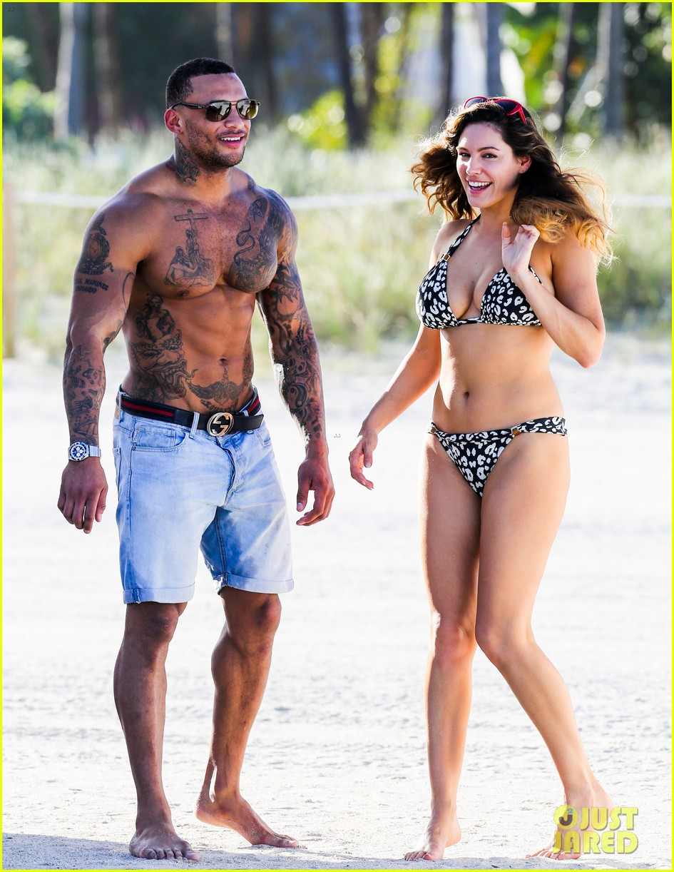 kelly brook bikini babe with macho boyfriend david mcintosh 12