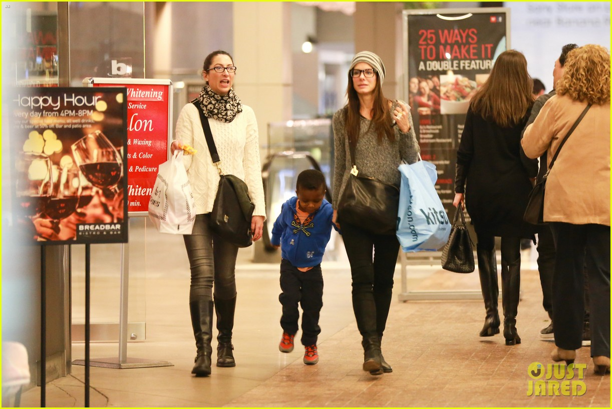 sandra bullock takes louis to see the lego movie 023050579