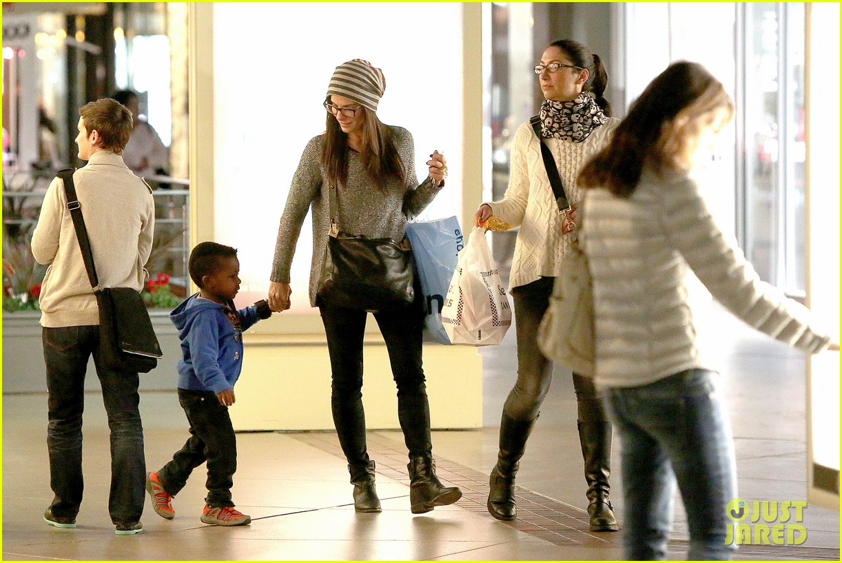 sandra bullock takes louis to see the lego movie 08