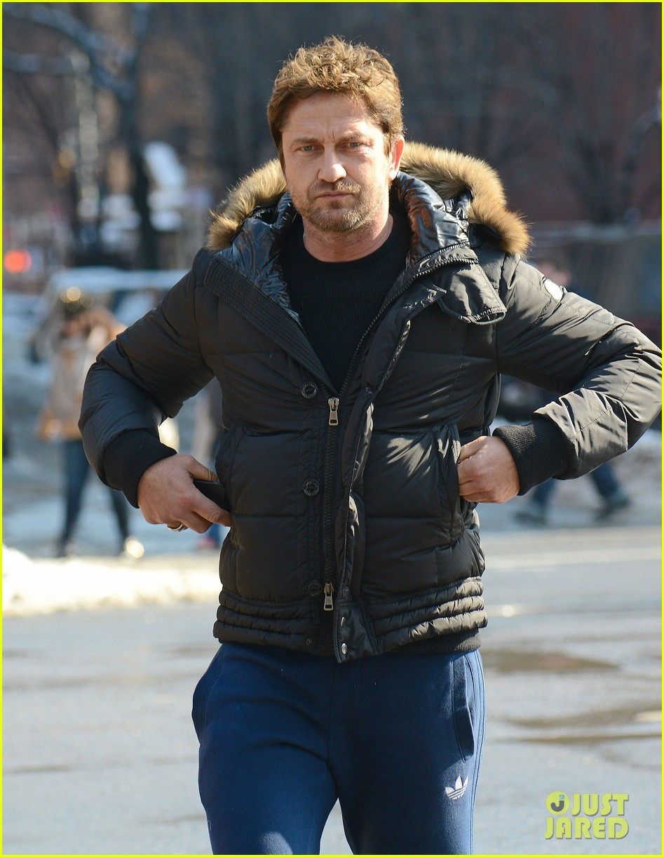 gerard butler keeps warm in furry brown coat 093055153