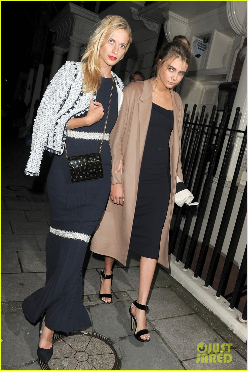 cara delevingne celebrates sister chloes wonderful wedding day 04