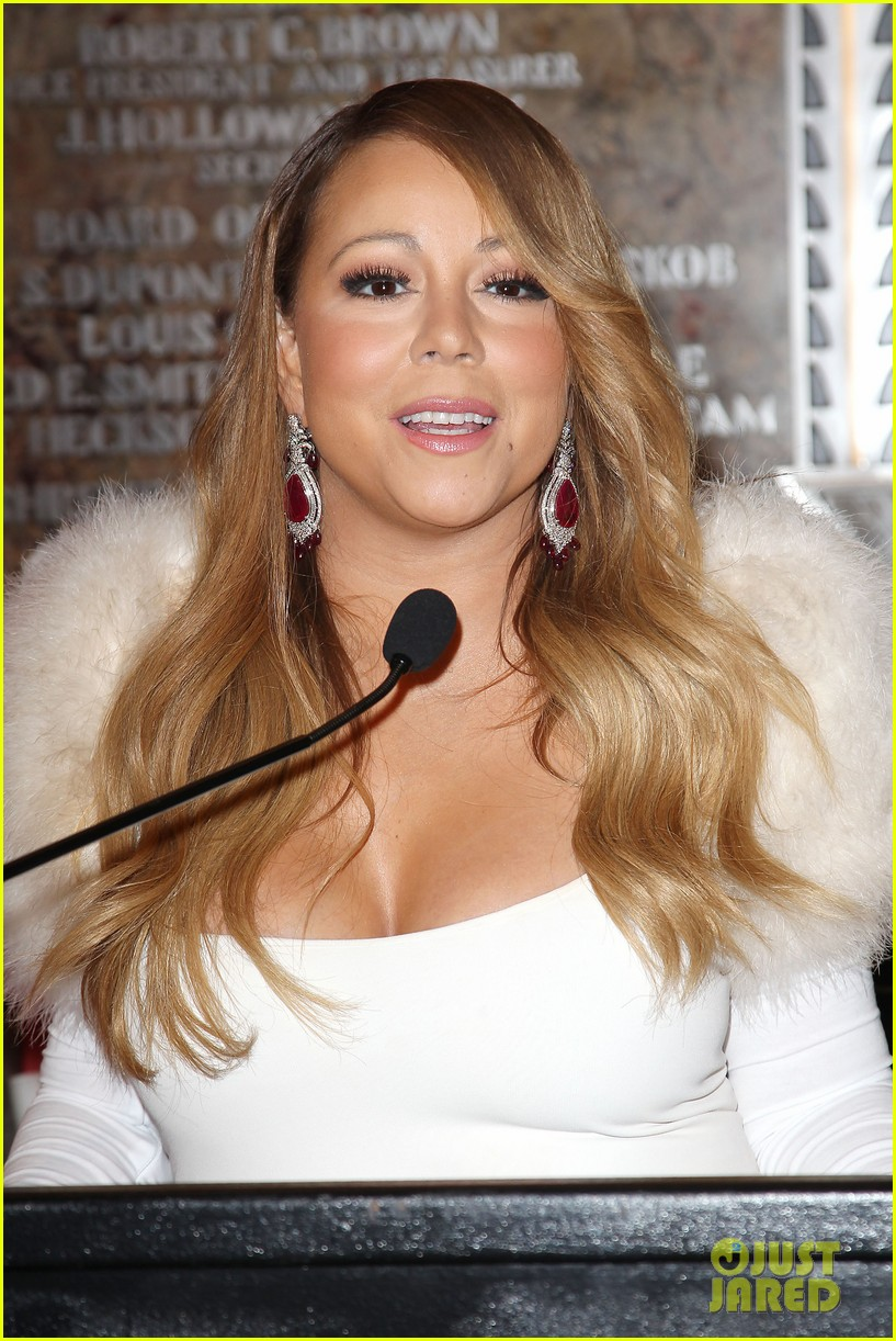 mariah carey lights empire state building for valentines day wedding event 083052909