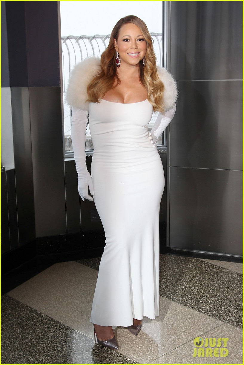 mariah carey lights empire state building for valentines day wedding event 15