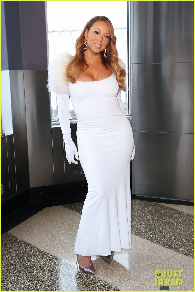 mariah carey lights empire state building for valentines day wedding event 16