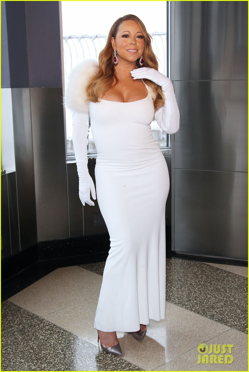 mariah carey lights empire state building for valentines day wedding event 17