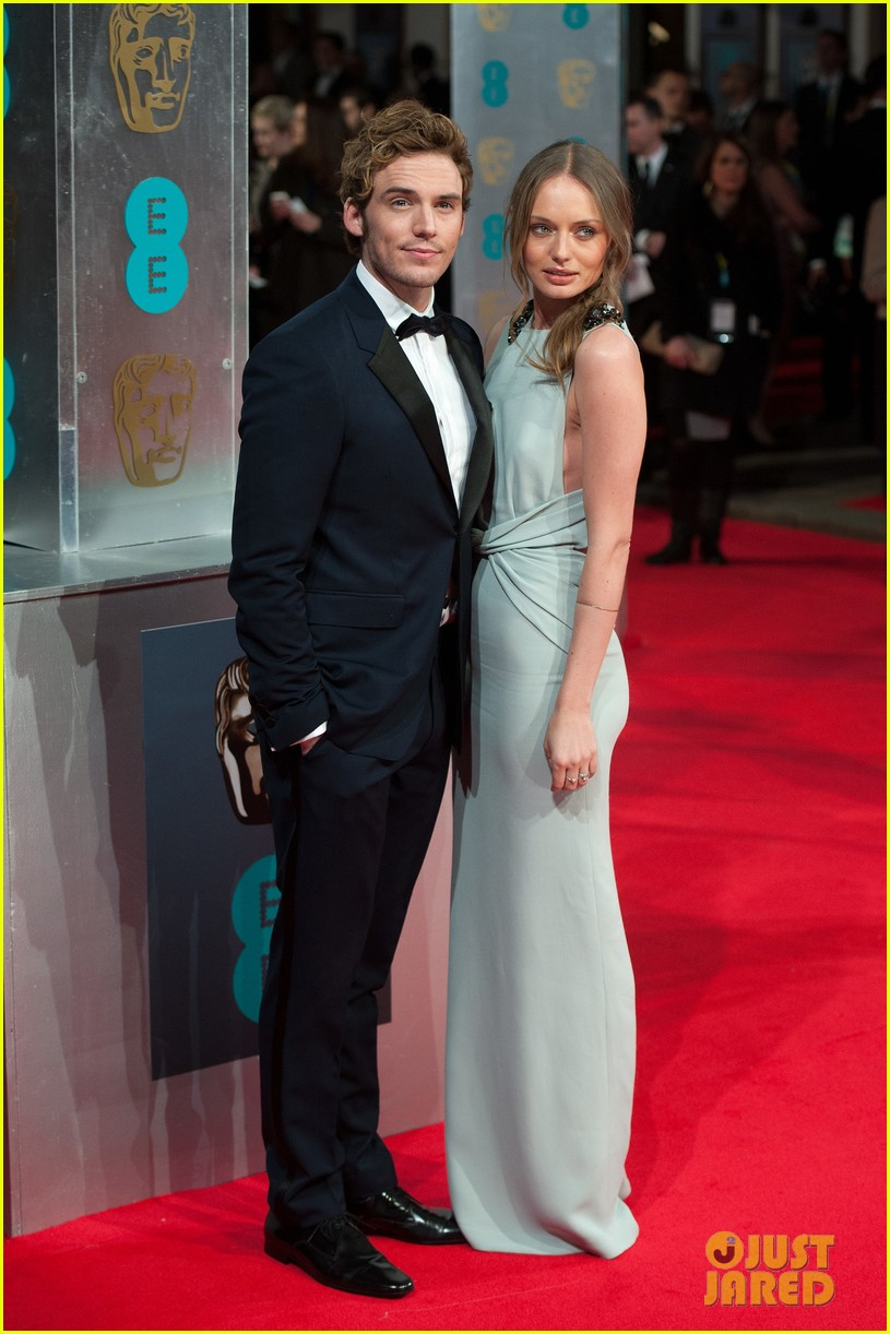 sam claflin baftas 2014 red carpet 04