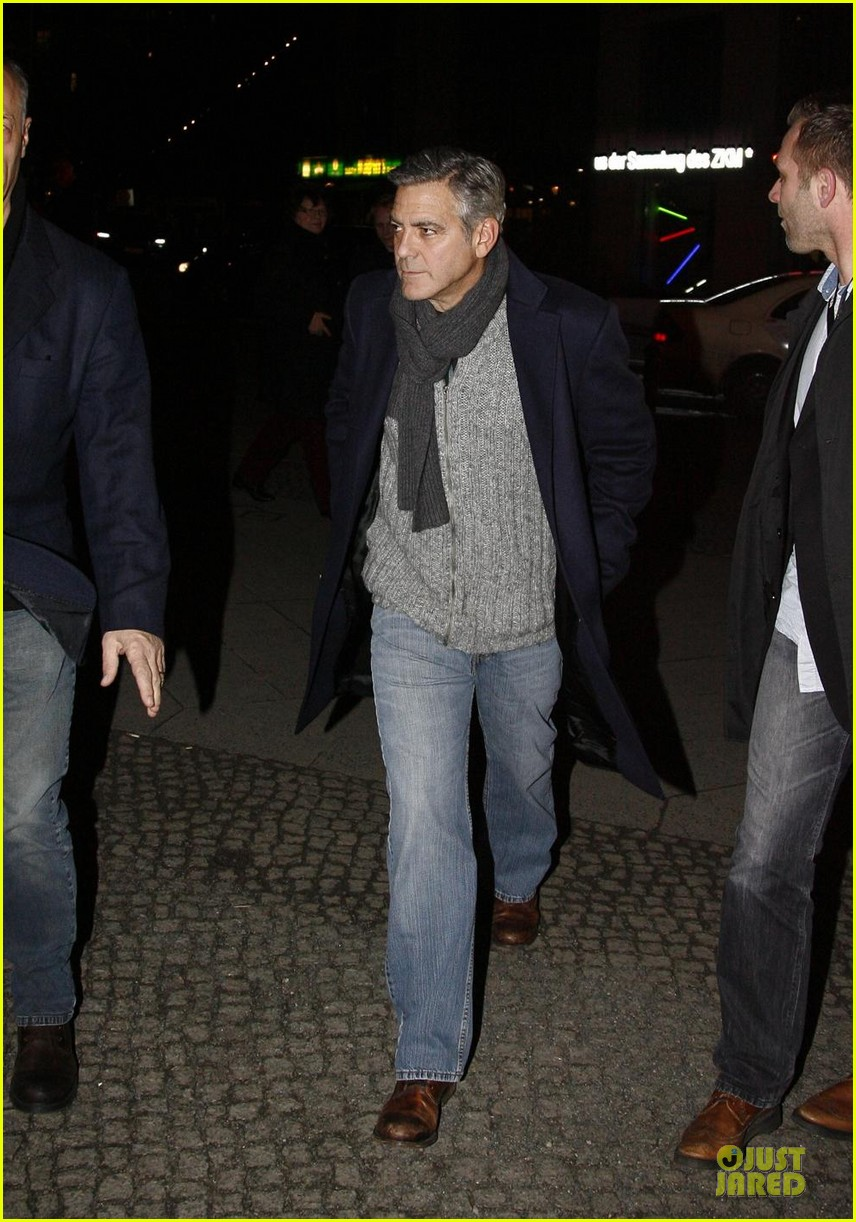 george clooney matt damon monuments men cast dinner before berlin film festival 01