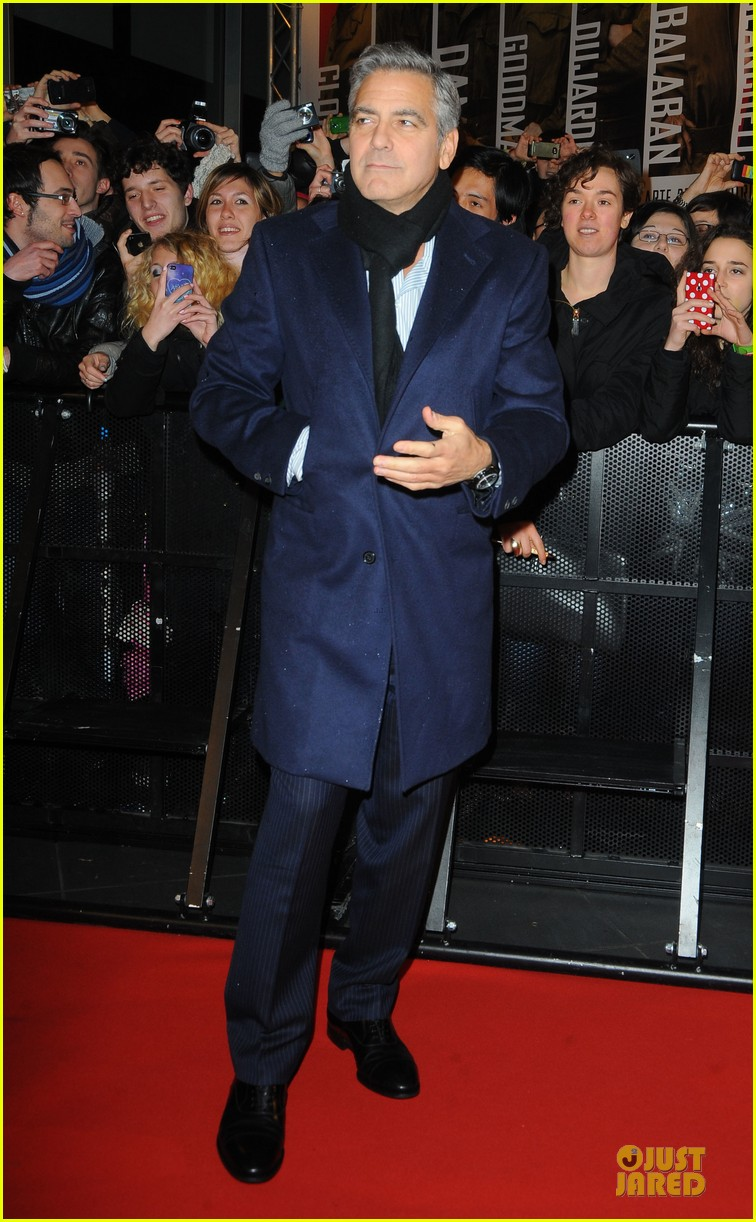 george clooney matt damon monuments men milan premiere 08